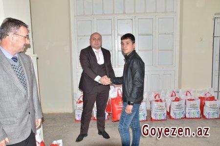 Şəhid ailələrinə bayram sovqatları verilib