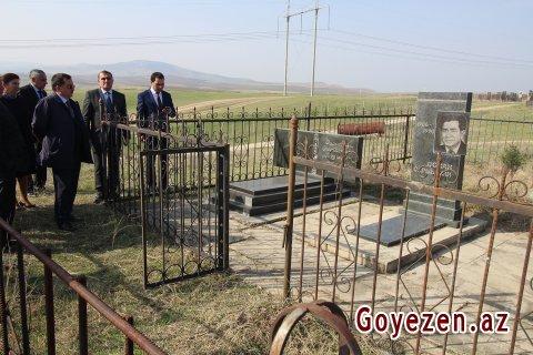 Qazaxda xalq şairi Osman Sarıvəllinin məzarı ziyarət olunub