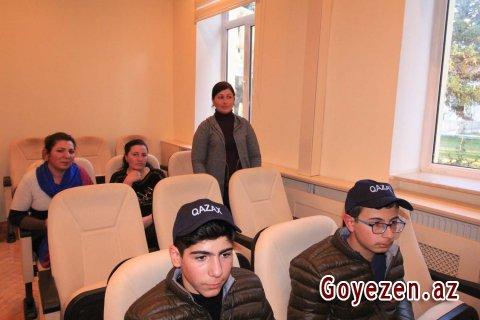 """""""Ölkəmizi tanıyaq"""" iştirakçıları ilə görüş keçirilib"""