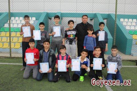 Qazaxlı məktəblilər arasında mini-futbol üzrə rayon birinciliyi keçirilib