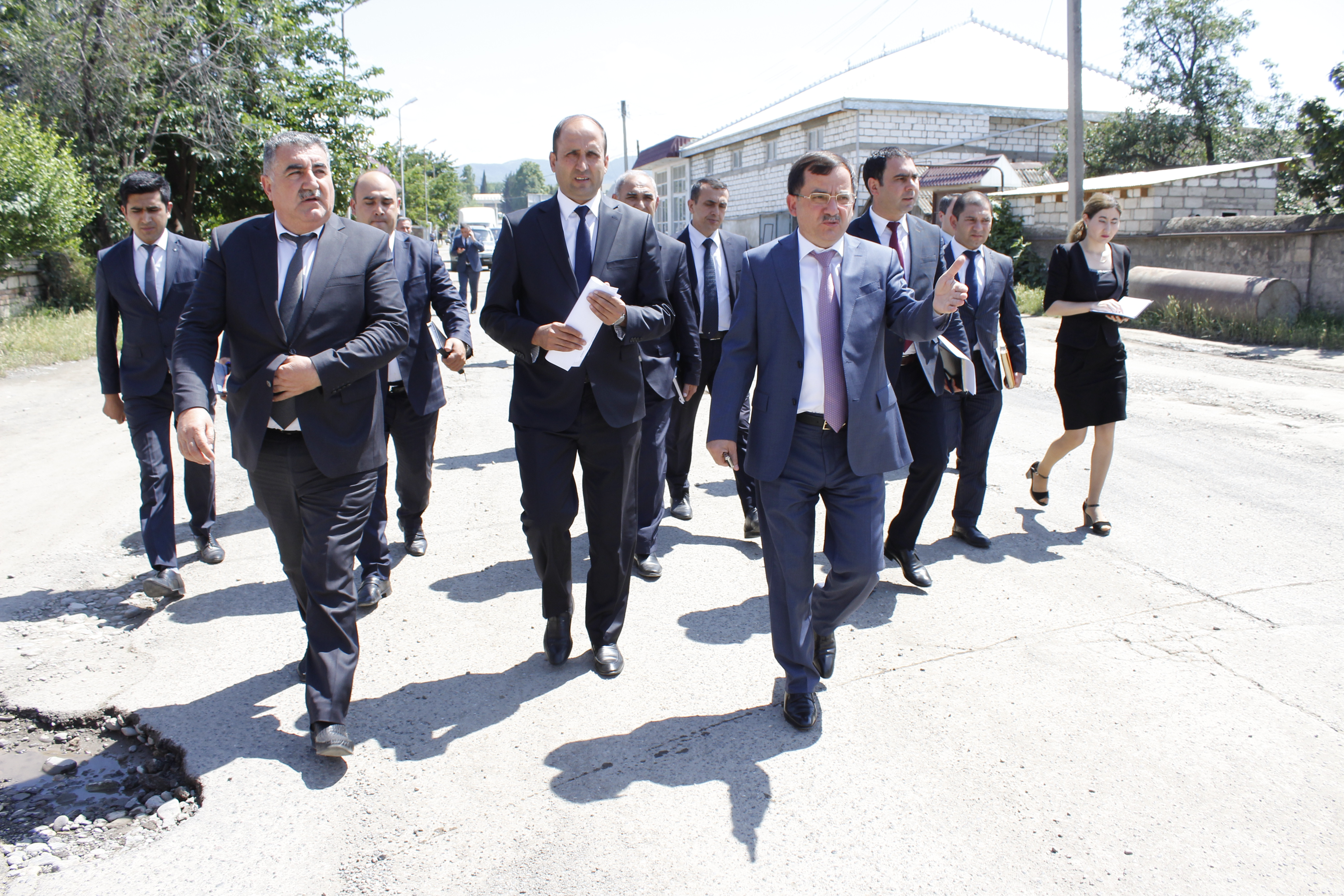 Yol infrastrukturunun inkişafı istiqamətində həyata keçirilən məqsədyönlü tədbirlər Qazax rayonunda uğurla davam etdirilir