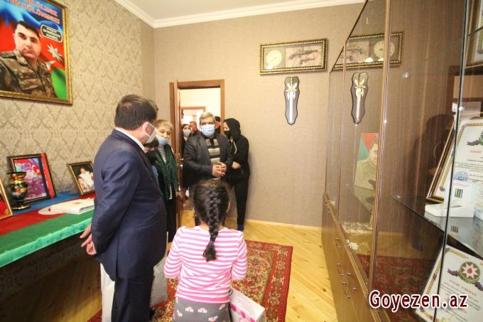İcra başçısı İyul döyüşlərinin qəhrəmanı şəhid mayor Namiq Əhmədovun ailəsini ziyarət edib