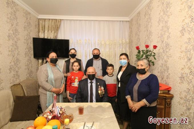 Qazaxda bu gün 100 yaşını qeyd edən Böyük Vətən Müharibəsinin iştirakçısı Hümbət Alıyev ziyarət olunub